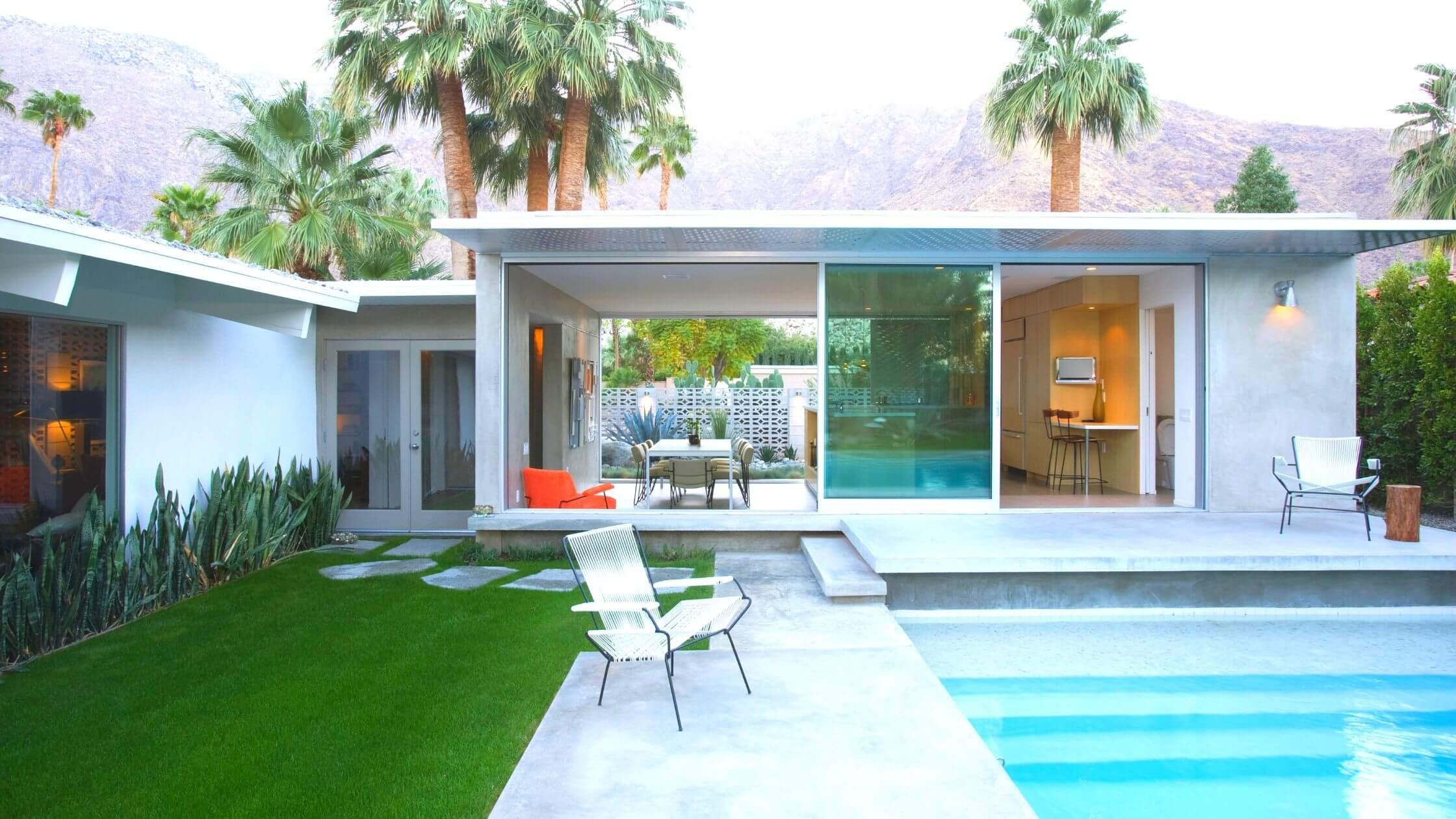 home frontdesign with swimming pool