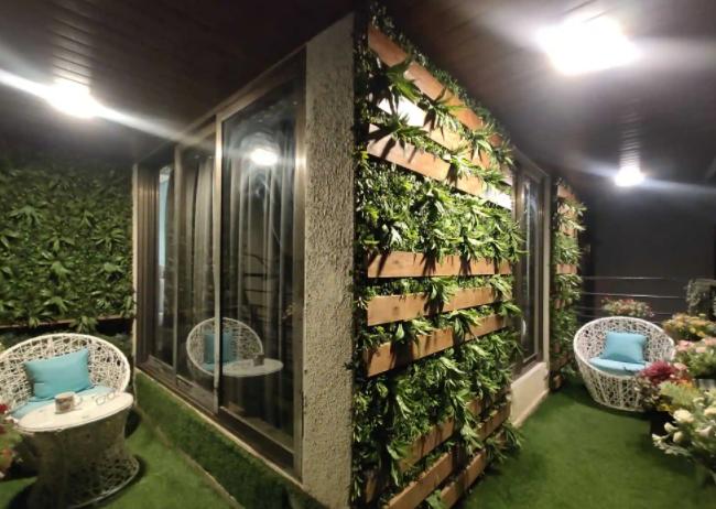 varanda design by Lavish Interior Designers